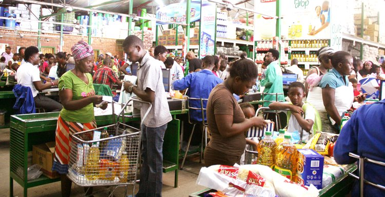 File picture of Zimbabweans buying groceries in a supermarket