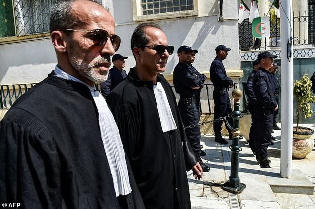 Algerian lawyers and judges gather to support the independence of the judiciary outside the Justice Ministry in Algiers on April 13, 2019. Magistrates who play a key role overseeing the country's elections, say they will boycott a July 4 presidential election (Picture by AFP)
