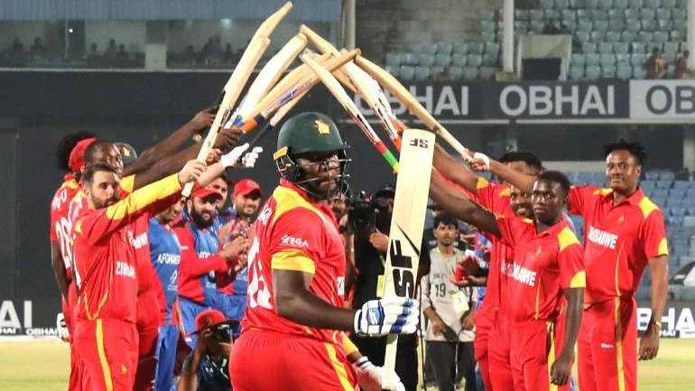 Hamilton Masakadza got a guard of honour from his teammates and opposition players (Zimbabwe Cricket Photo)