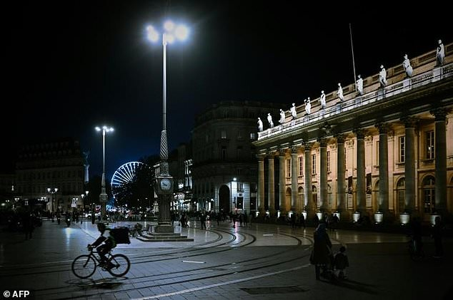 France back in coronavirus lockdown as US surges to daily record – Nehanda Radio